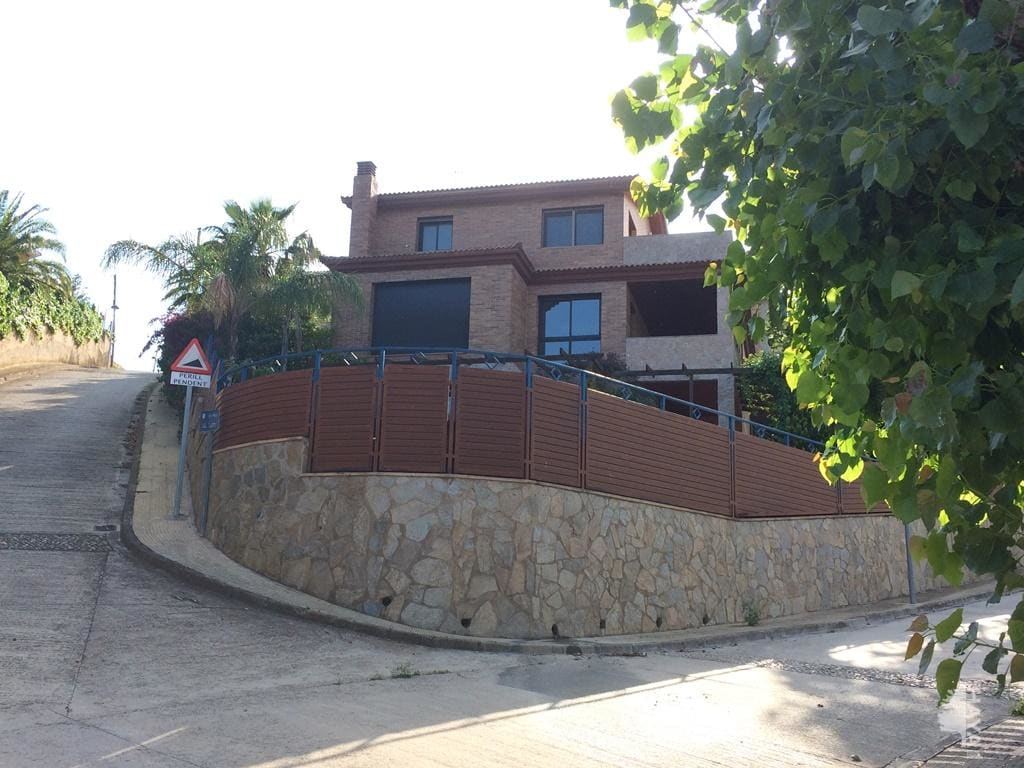 separate houses venta in castellvell del camp del gladiol
