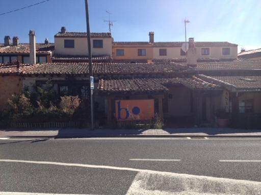Venta de locales en Torrecaballeros,