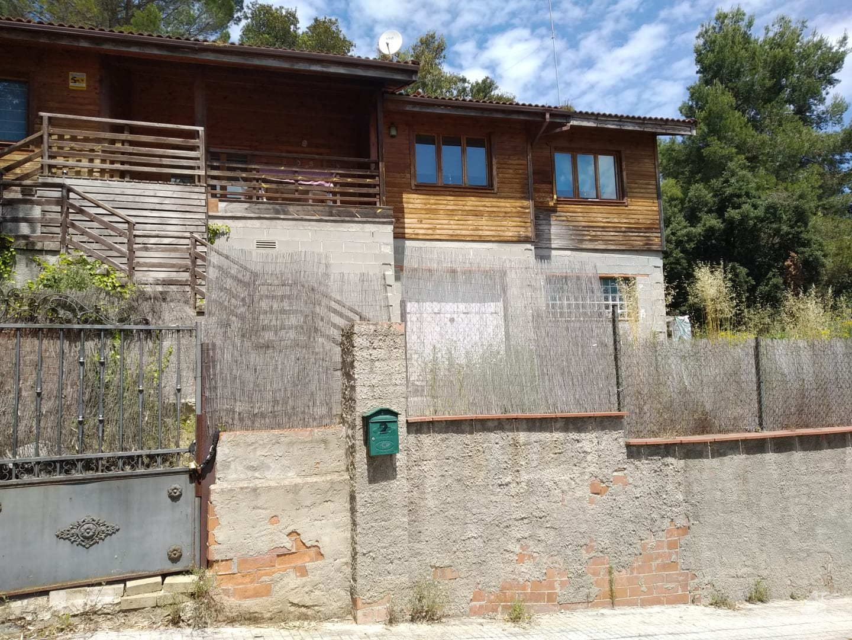 separate houses venta in castellar del valles llicorella